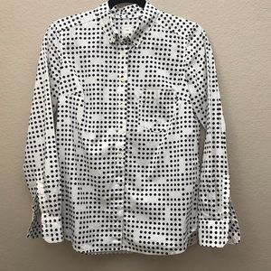 Gap The Tailored Shirt Polka dot button down shirt
